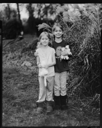 http://lisabennettphotography.com/files/gimgs/th-2_Addie-and-Eleanor2.jpg